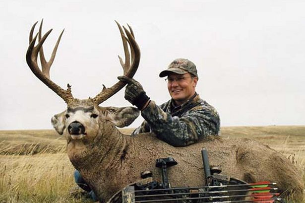 Deer Hunter Elk Hunting Scarf Cold Weather Trophy Buck Green Black Cotton New 42